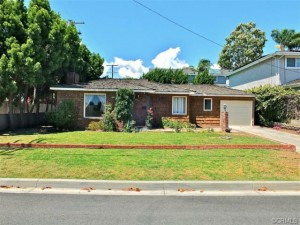 5525 4th street Alamitos Heights
